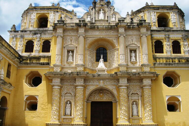 Luxury tour of La Merced church in Antigua, Guatemala
