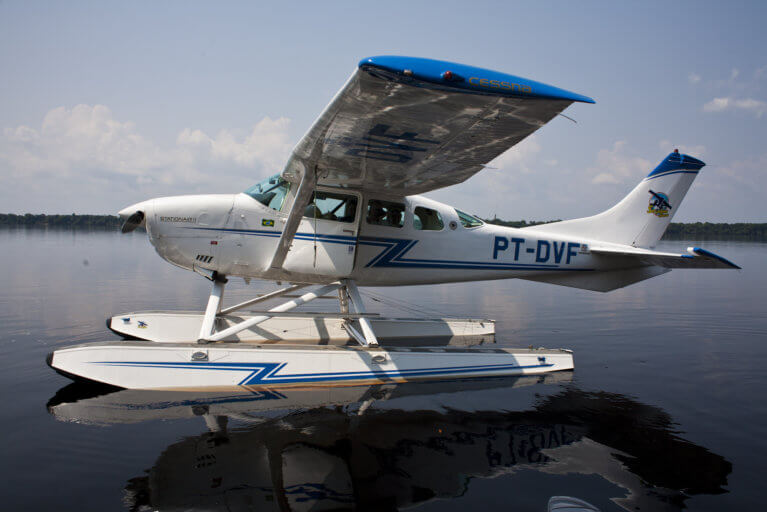 Private transfer to the Amazon by hydroplane on an exclusive Brazil tour
