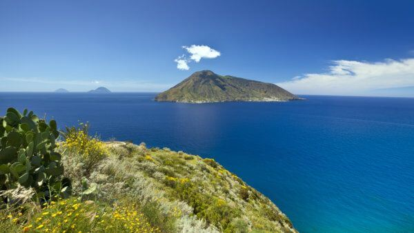 sea and volcano views on clear day during luxury sicily trip